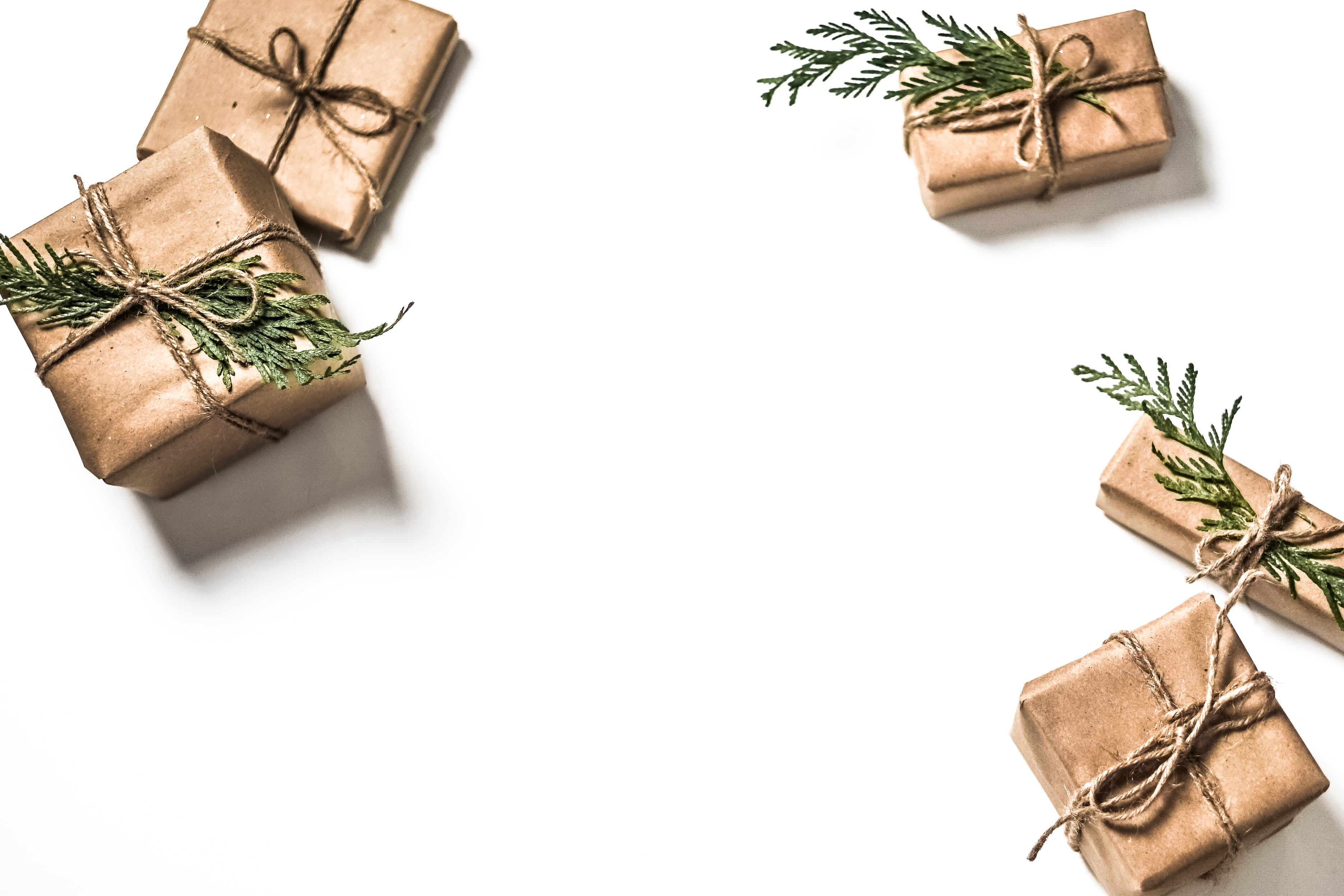 How to have happy (not perfect) holidays? Discover the power of intangible gifts